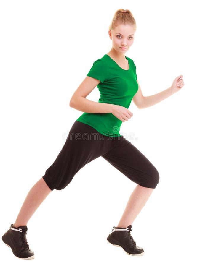 αθλητισμός Εύκαμπτο κορίτσι ικανότητας που κάνει την τεντώνοντας άσκηση στοκ φωτογραφίες με δικαίωμα ελεύθερης χρήσης