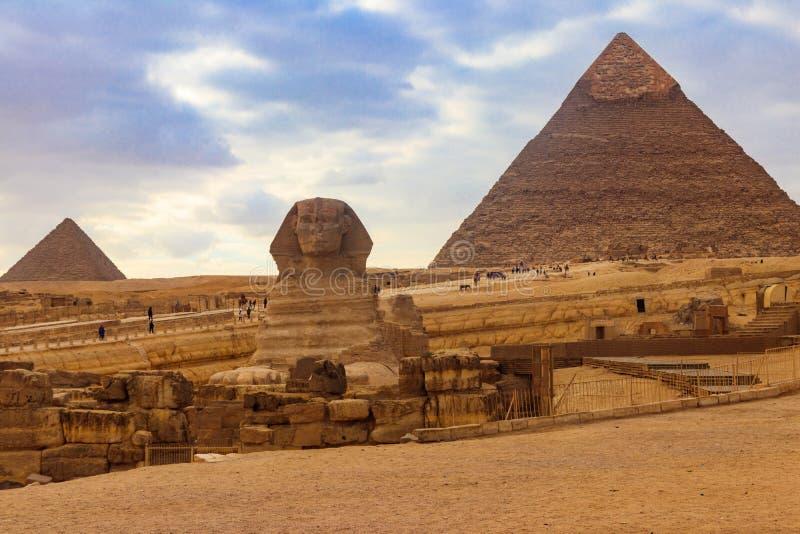 Αιγυπτιακές μεγάλες Sphinx και πυραμίδες Giza στο Κάιρο, Αίγυπτος στοκ φωτογραφίες με δικαίωμα ελεύθερης χρήσης