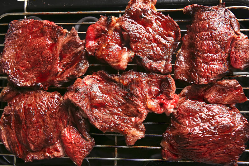αιματηρή ώριμη μπριζόλα κρέατ στοκ εικόνα