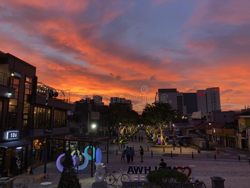 Αιματηρό ηλιοβασίλεμα στην Κορέα στοκ εικόνα με δικαίωμα ελεύθερης χρήσης