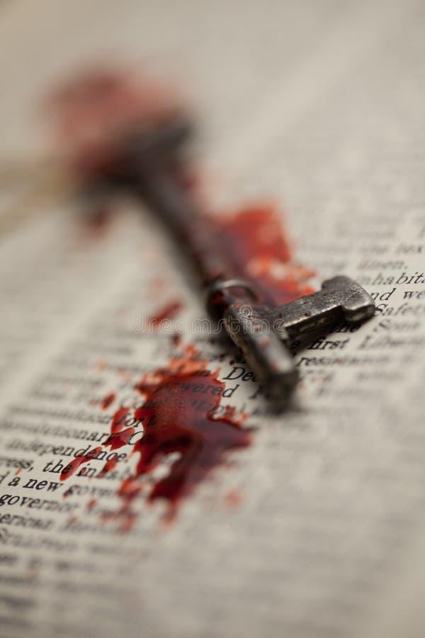 Αιματηρό κλειδί σκελετών στοκ εικόνα