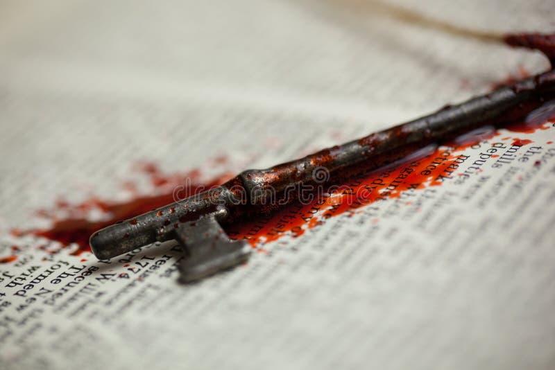Αιματηρό κλειδί σκελετών στοκ εικόνες