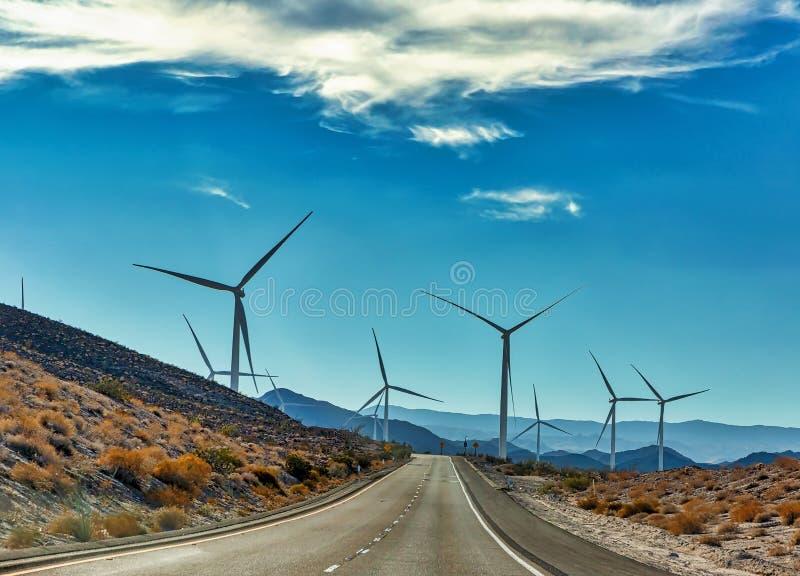 Αιολική ενέργεια νεκρή μπροστά σε Καλιφόρνια στοκ εικόνες με δικαίωμα ελεύθερης χρήσης