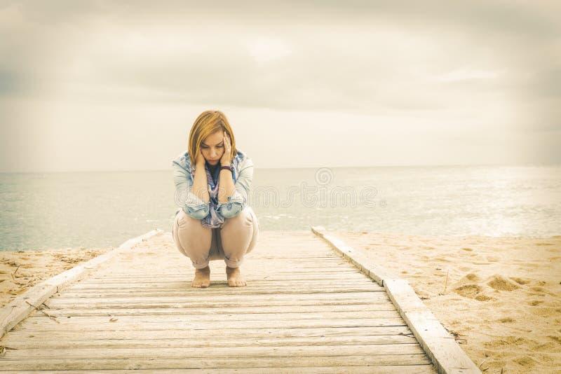 Αισιόδοξος τρόπος της ζωής Δύναμη μιας θετικής γυναίκας στοκ εικόνες