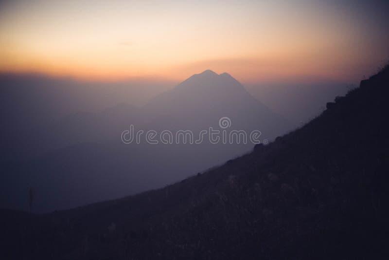 Αιχμή ηλιοβασιλέματος στοκ φωτογραφίες
