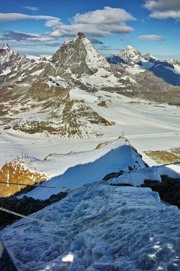 Αιχμή Matterhorn που καλύπτεται με τα σύννεφα, Άλπεις στοκ φωτογραφία