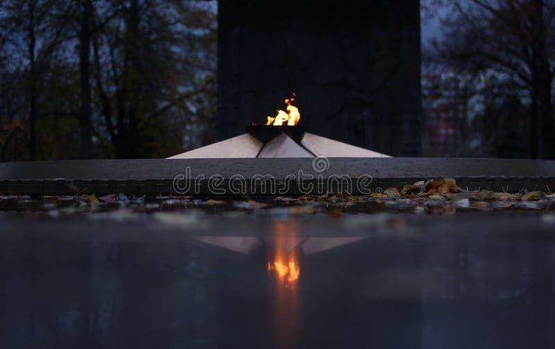 Αιώνια φλόγα στο πάρκο νίκης στοκ εικόνες