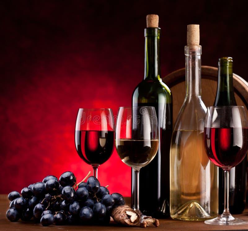 ακίνητο κρασί ζωής μπουκα στοκ φωτογραφία με δικαίωμα ελεύθερης χρήσης