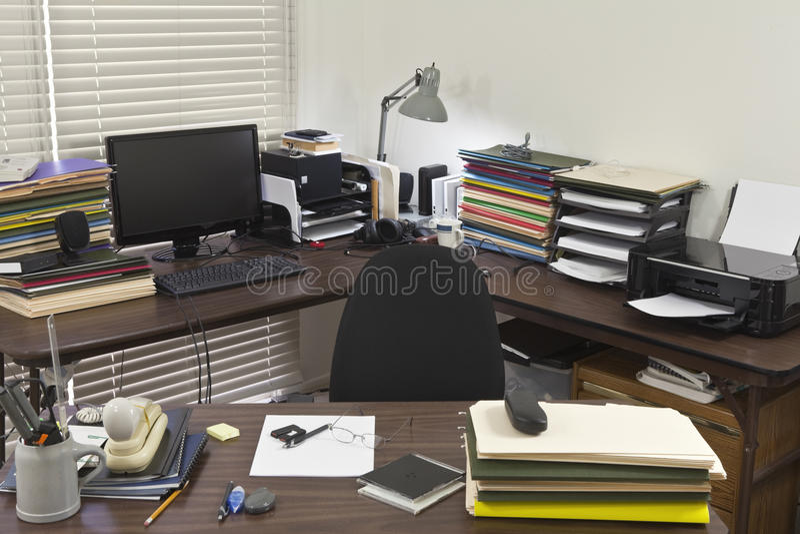 ακατάστατο γραφείο γωνιώ στοκ φωτογραφία