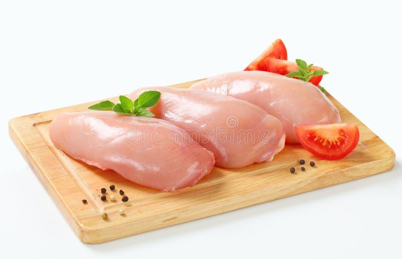 Ακατέργαστες λωρίδες στηθών κοτόπουλου στοκ φωτογραφίες