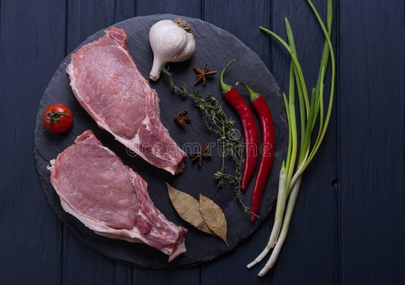 Ακατέργαστη μπριζόλα χοιρινού κρέατος κρέατος στοκ φωτογραφίες με δικαίωμα ελεύθερης χρήσης