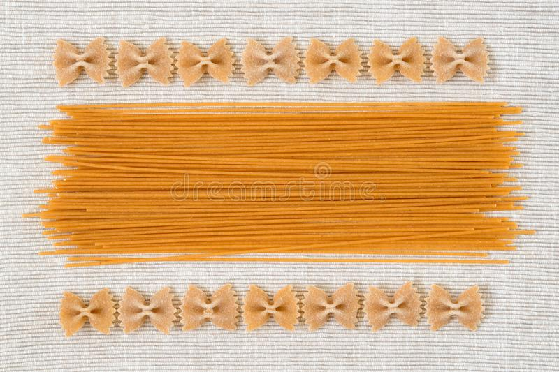 Ακατέργαστο ιταλικό σχέδιο σχεδίου υποβάθρου σύστασης ζυμαρικών αφηρημένο στοκ εικόνα