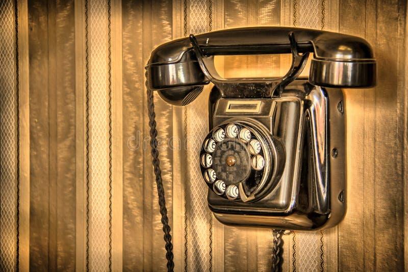 Ακατέργαστο κλασικό τηλέφωνο στοκ εικόνες