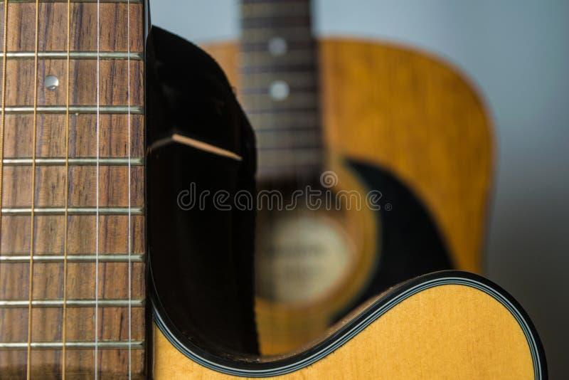 ακουστικές κιθάρες δύο στοκ φωτογραφία με δικαίωμα ελεύθερης χρήσης