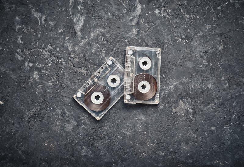 Ακουστικό cassete στο συγκεκριμένο πίνακα στοκ εικόνα με δικαίωμα ελεύθερης χρήσης