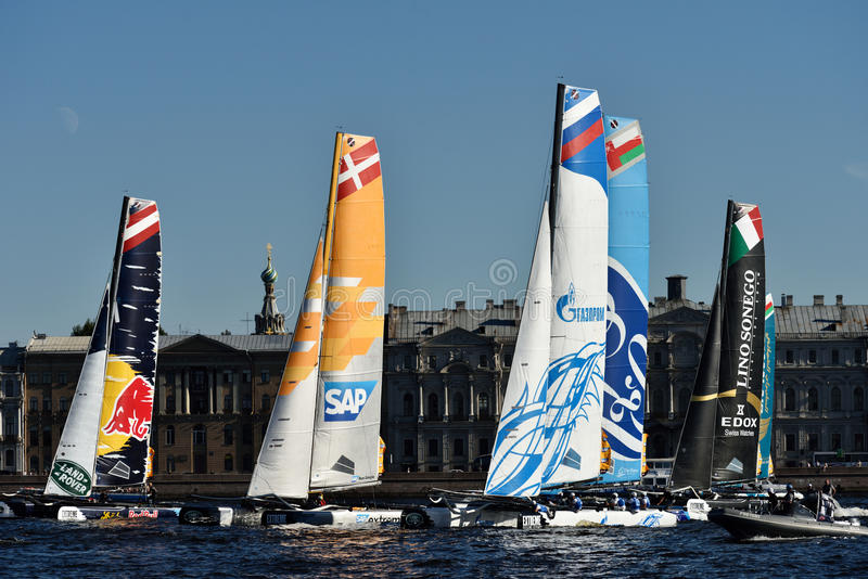 Download Ακραία σειρά ναυσιπλοΐας στη Αγία Πετρούπολη, Ρωσία Εκδοτική Στοκ Εικόνες - εικόνα από ευρώπη, ανταγωνισμοί: 62704508