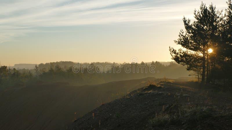 ακριβώς ανατολή Περίχωρα της επιφύλαξης κοντά στην πόλη Tarnowskie GÃ ³ ry Πολωνία στοκ εικόνα με δικαίωμα ελεύθερης χρήσης