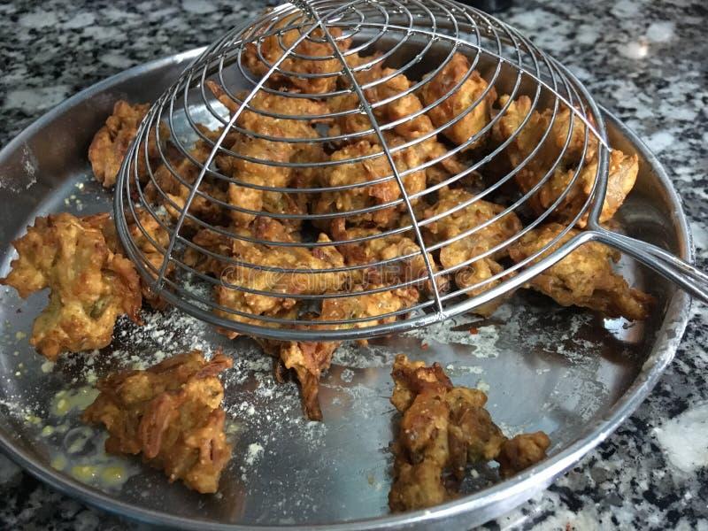 Ακριβώς τηγανισμένο Kanda BhjiOnion Pakora Kalyan Maharahtra ΙΝΔΙΑ στοκ εικόνα
