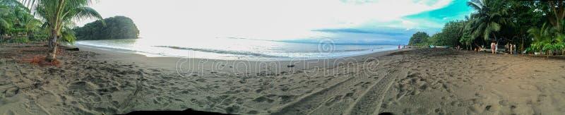 Ακριβώς χαλαρώστε, μια ημέρα παραλιών στο Pacific Coast στοκ φωτογραφία