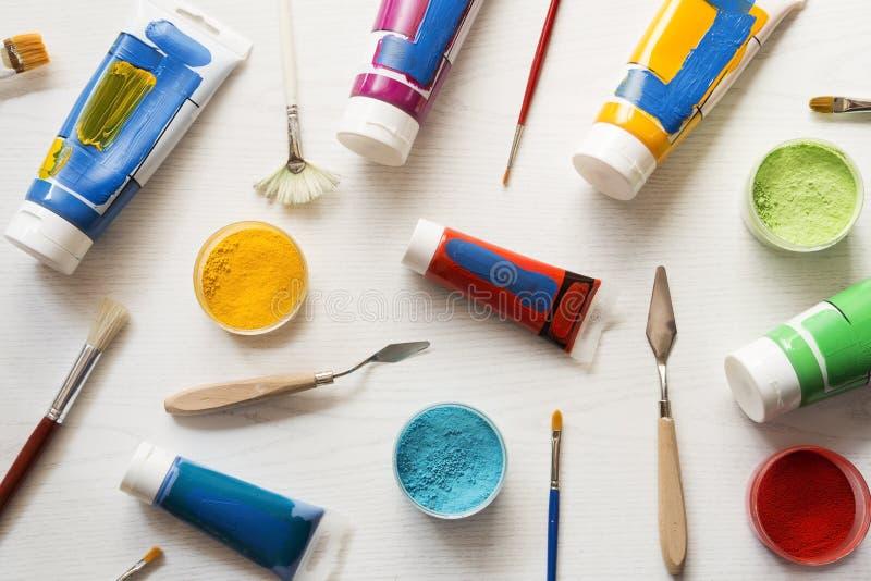 Ακρυλικά χρώματα τέχνης στοκ εικόνα με δικαίωμα ελεύθερης χρήσης