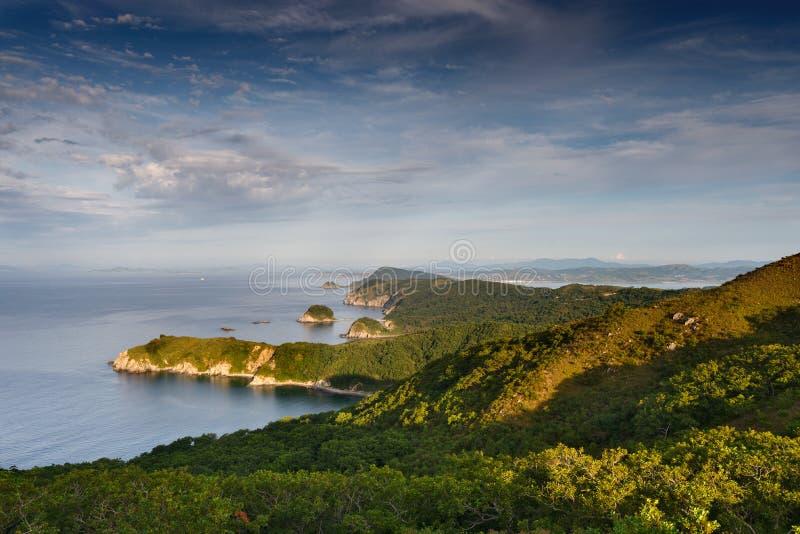 Ακρωτήριο Tarantseva στη θάλασσα της Ιαπωνίας στοκ εικόνα με δικαίωμα ελεύθερης χρήσης