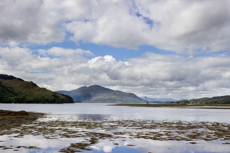 Ακτές κάστρων Donan Eilean στοκ εικόνα