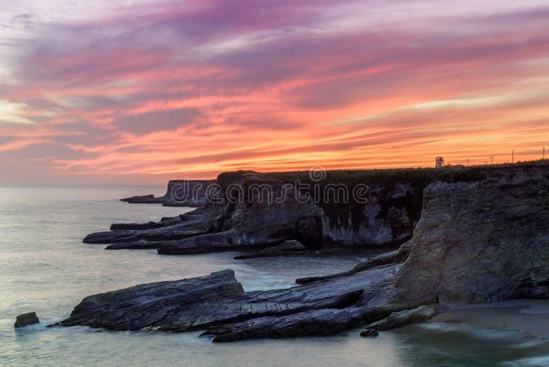 Ακτή Ειρηνικών Ωκεανών κοντά στην παραλία πάνθηρων στοκ φωτογραφία με δικαίωμα ελεύθερης χρήσης