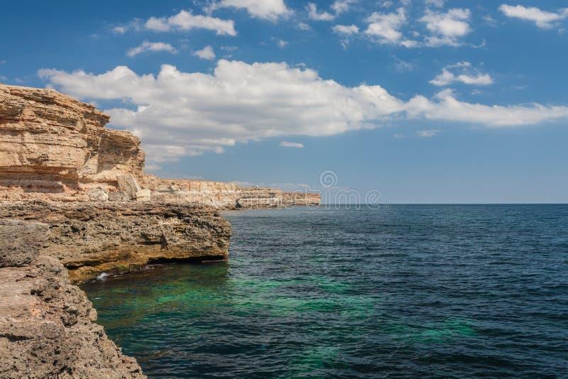 Ακτή Μαύρης Θάλασσας σε Tarkhankut, Κριμαία, Ουκρανία. στοκ εικόνα με δικαίωμα ελεύθερης χρήσης