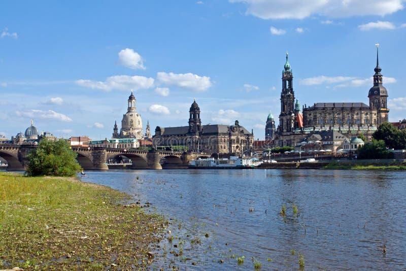 ακτή ποταμών της Δρέσδης Elbe στοκ εικόνες