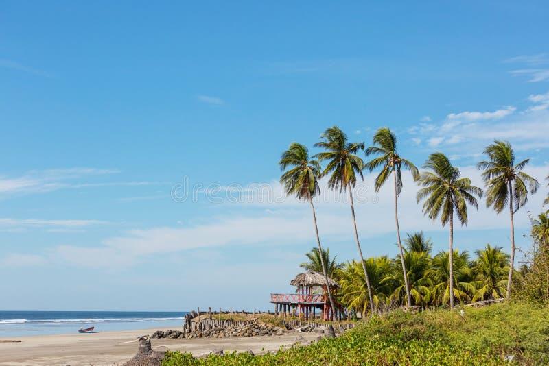 Ακτή στο Ελ Σαλβαδόρ στοκ φωτογραφίες