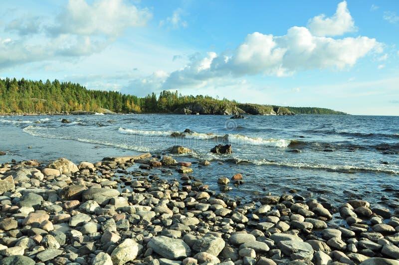 Ακτή Ladoga της λίμνης στοκ εικόνες