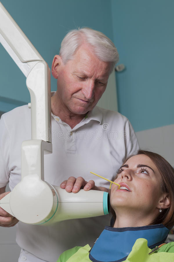 Ακτίνα X στον οδοντίατρο στοκ εικόνες
