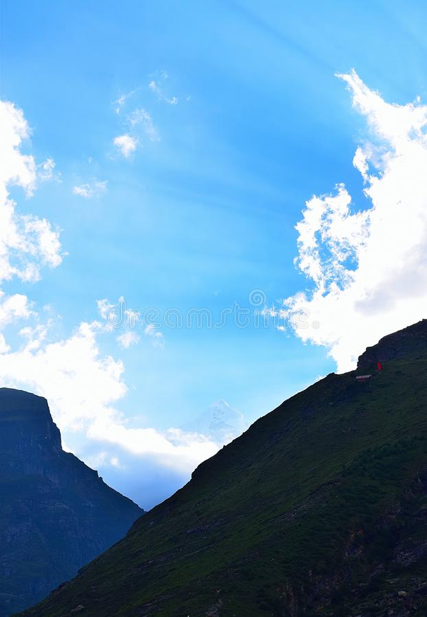 Ακτίνες ήλιων μέσω Clouds2, Badrinath, Uttarakhand, Ινδία στοκ εικόνες