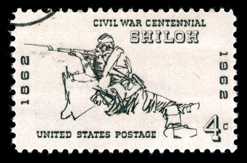 Ακυρωμένο οι Ηνωμένες Πολιτείες της Αμερικής γραμματόσημο που παρουσιάζει έναν τουφεκιοφόρο στη μάχη Shiloh στοκ εικόνες