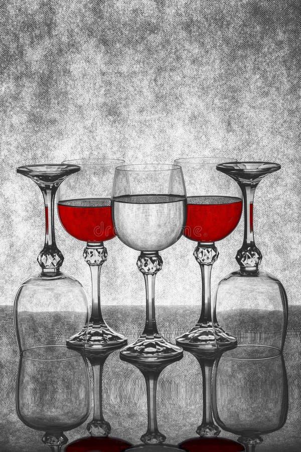 Ακόμα ζωή με τα γυαλιά γυαλιού με το κρασί στοκ εικόνα