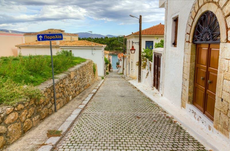 Αλέα στη γραφική πόλη του Γαλαξειδίου, Φωκίδα, Ελλάδα στοκ εικόνες