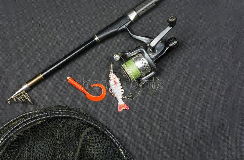 Αλιεία - ο ελάχιστος εξοπλισμός έπρεπε να πιάσει τα αρπακτικά ψάρια στοκ φωτογραφία με δικαίωμα ελεύθερης χρήσης