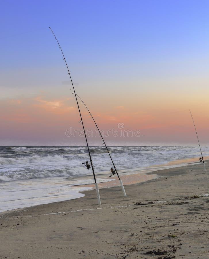 Αλιεία των ράβδων στις τράπεζες κοπτών, NC στοκ φωτογραφία