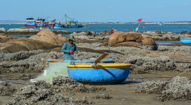 Αλιευτικά σκάφη στη θάλασσα σε Nha Trang, Βιετνάμ στοκ φωτογραφίες με δικαίωμα ελεύθερης χρήσης