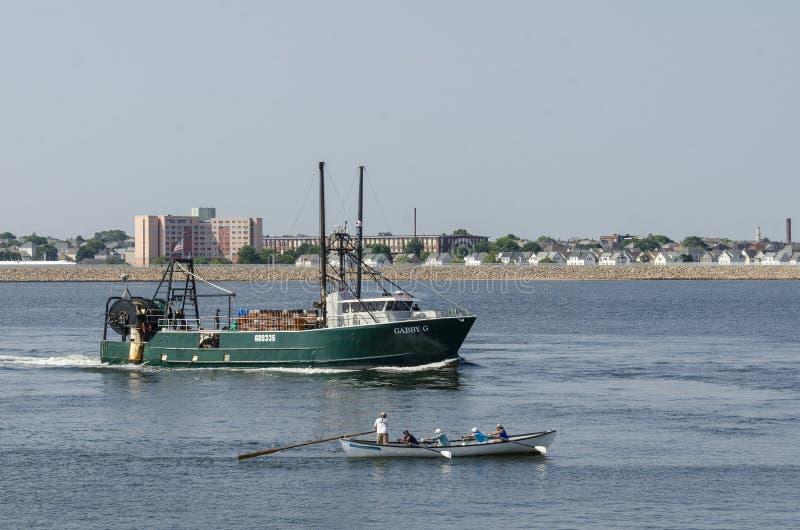 Αλιευτικό πλοιάριο φλύαρο Γ και φαλαινοθηρικό στοκ φωτογραφίες με δικαίωμα ελεύθερης χρήσης