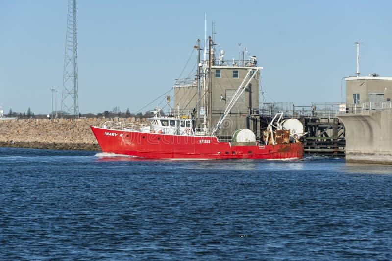 Αλιευτικό πλοιάριο Mary Κ που αποχωρεί από το Νιού Μπέντφορτ στοκ φωτογραφίες με δικαίωμα ελεύθερης χρήσης