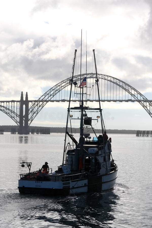 Αλιευτικό σκάφος που βγαίνει για την ημέρα PT 2 στοκ φωτογραφίες