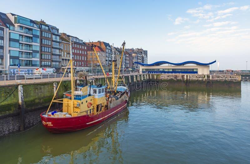 Αλιευτικό σκάφος στο λιμάνι Οστάνδης, Βέλγιο στοκ εικόνες