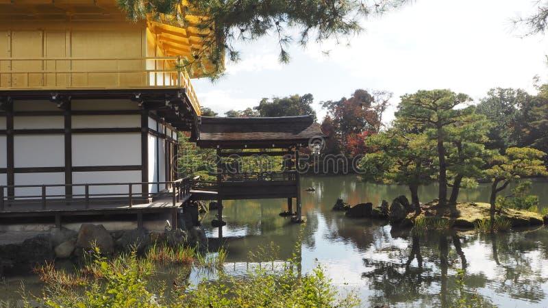 Αλλαγή Kinkakuji Κιότο Ιαπωνία χρώματος φύλλων στοκ φωτογραφία με δικαίωμα ελεύθερης χρήσης