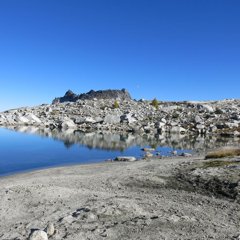 Αλπική λίμνη enchantments του πολιτεία της Washington στοκ φωτογραφία