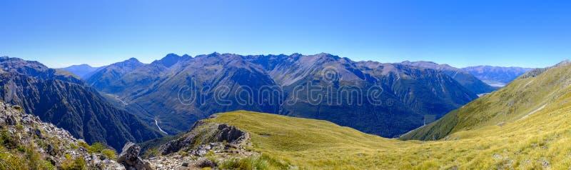 Αλπικό περιβάλλον βουνών στη Νέα Ζηλανδία στοκ εικόνες