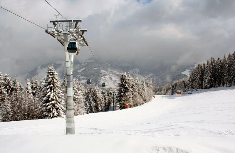 αλπικό σκι ανελκυστήρων στοκ εικόνες με δικαίωμα ελεύθερης χρήσης