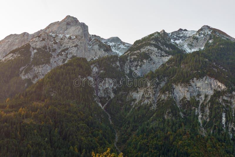 Αλπικό τοπίο ανατολής σε δυτικό Carinthia, Αυστρία στοκ εικόνες