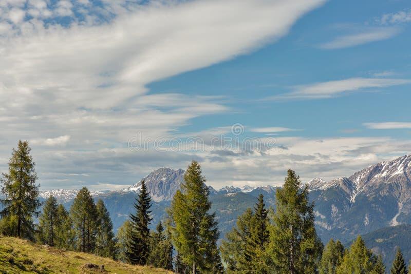 Αλπικό τοπίο με το μπλε ουρανό σε δυτικό Carinthia, Αυστρία στοκ εικόνες με δικαίωμα ελεύθερης χρήσης