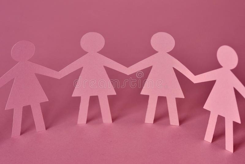 Αλυσίδα εγγράφου γυναικών - έννοια ομαδικής εργασίας στοκ εικόνες